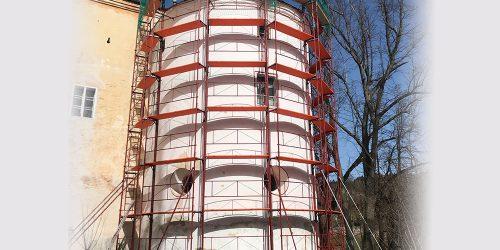 Gerüstverleih im Zuge der Dacharbeiten